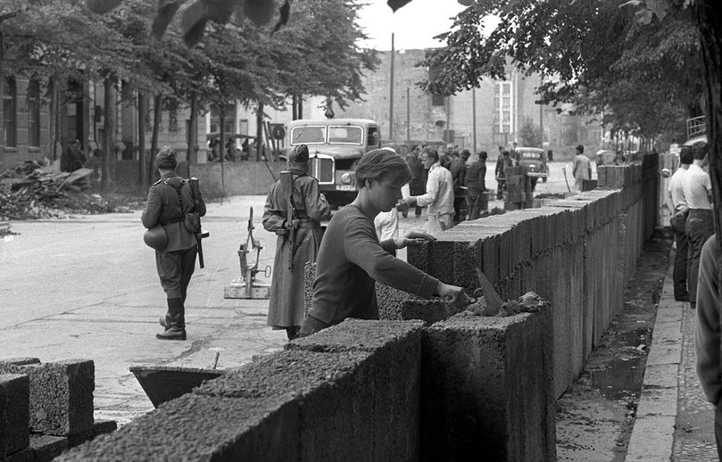 Construction-mur-de-berlin
